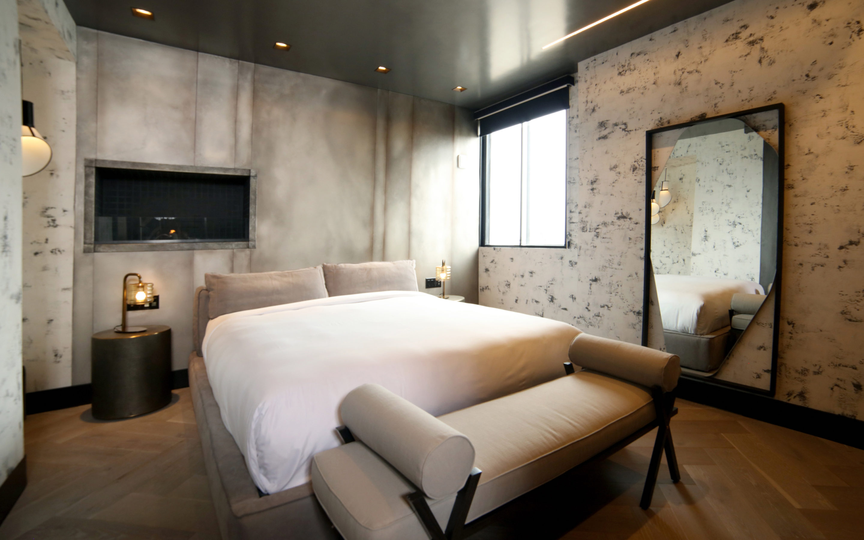 """7×7- """"Union Square's Hotel G Debuts Three Sultry Penthouse Suites"""""""